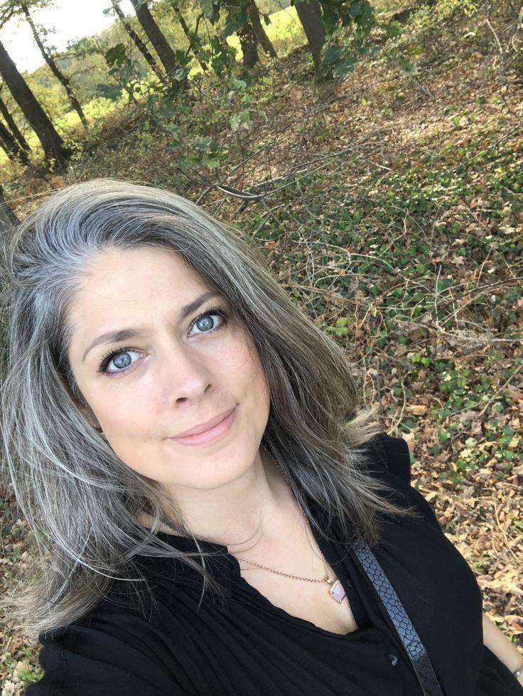 Épinglé sur cheveux gris