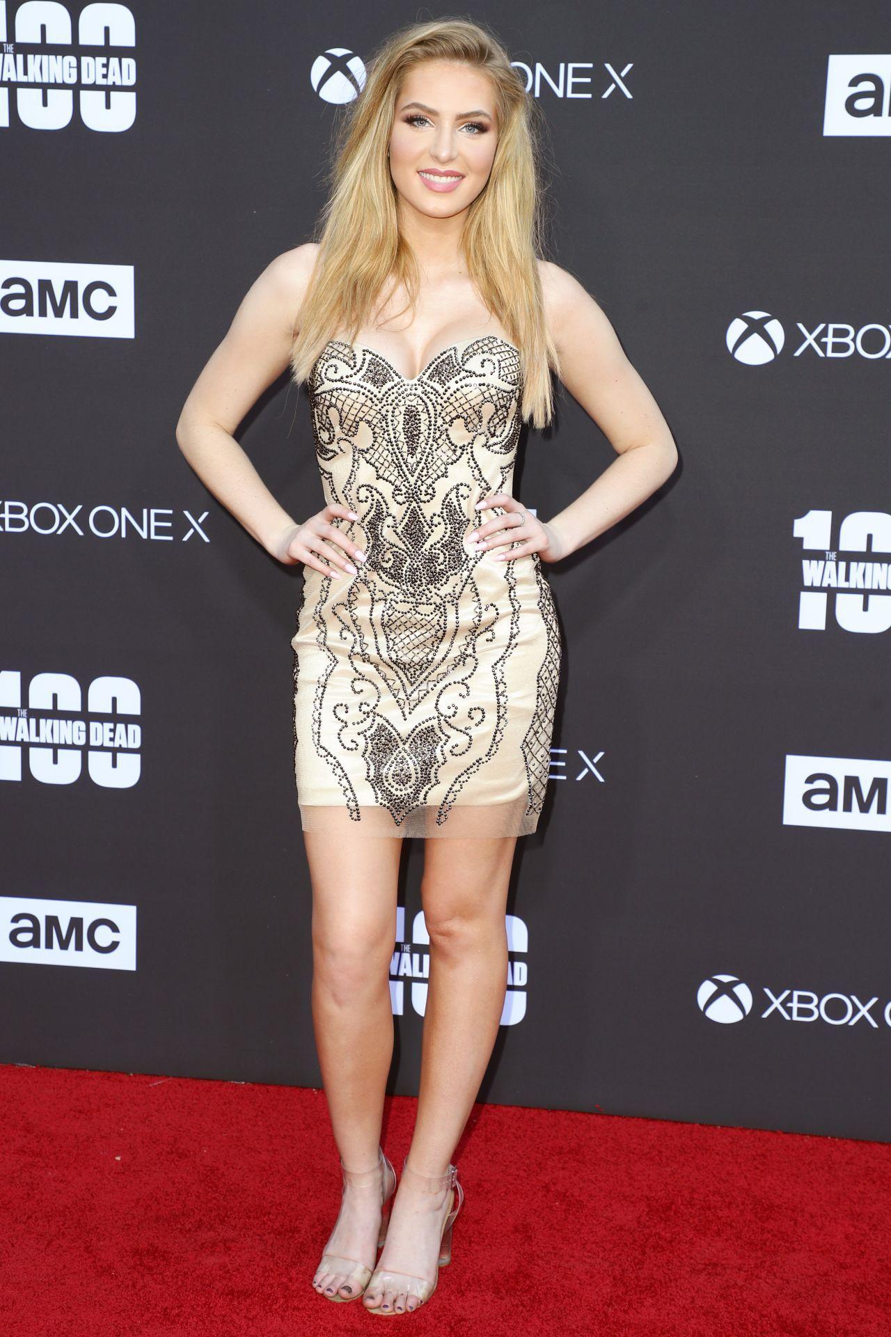 "Saxon Sharbino at ""The Walking Dead"" 100th Episode Premiere in Los Angeles    Saxon sharbino, Beauty women, Celebs"