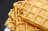 Есть масса рецептов приготовления теста для вафель в домашних условиях. Меняя набор ингредиентов, вы сможете проявить творчество и внести разнообразие в десерт.