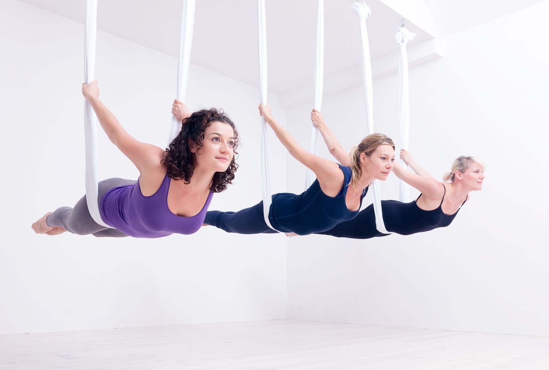 """Résultat de recherche d'images pour """"aerial yoga"""""""