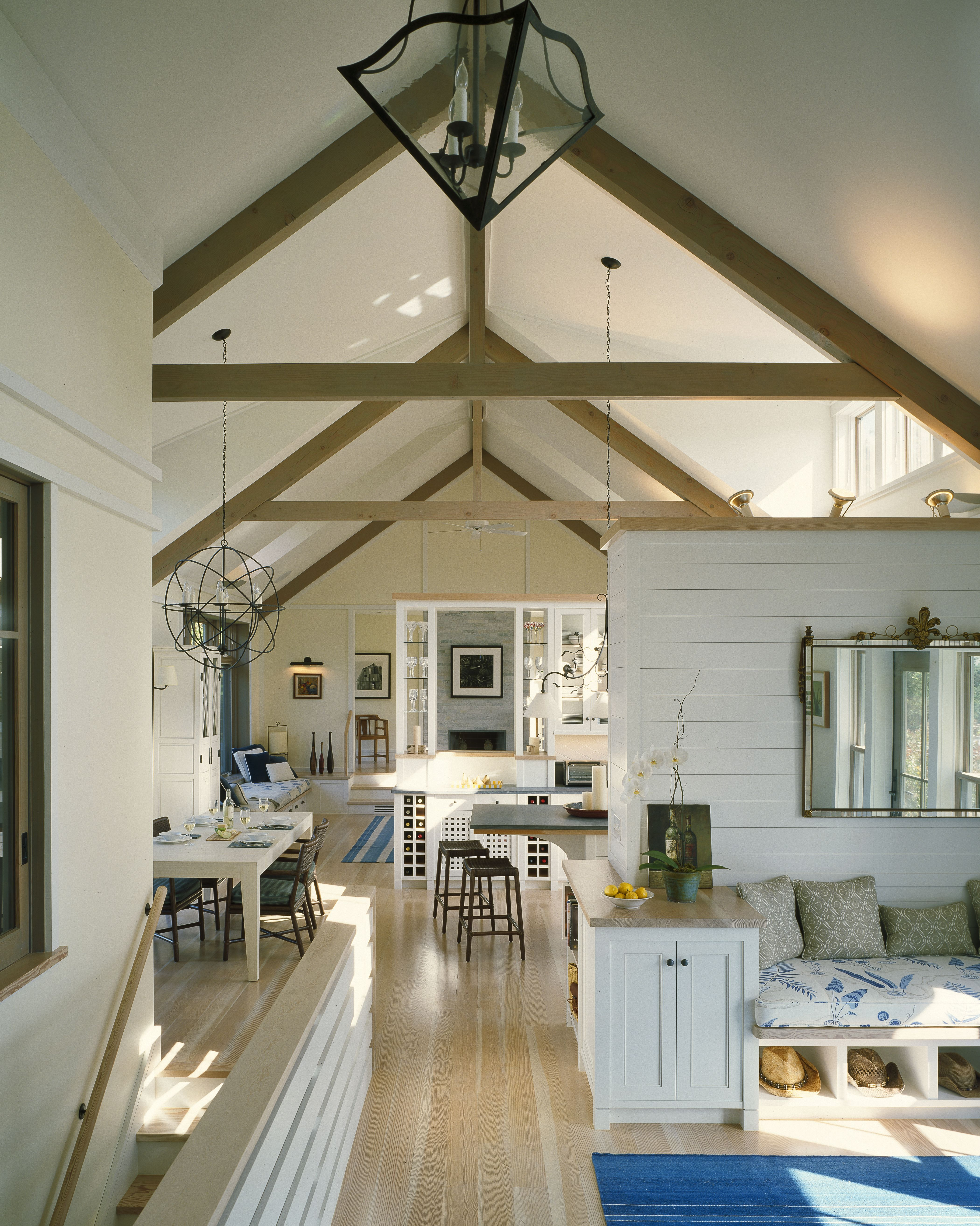 Room In Attic Truss Design: High Ceiling, Apparent Wood Structure, Interesting Pendant