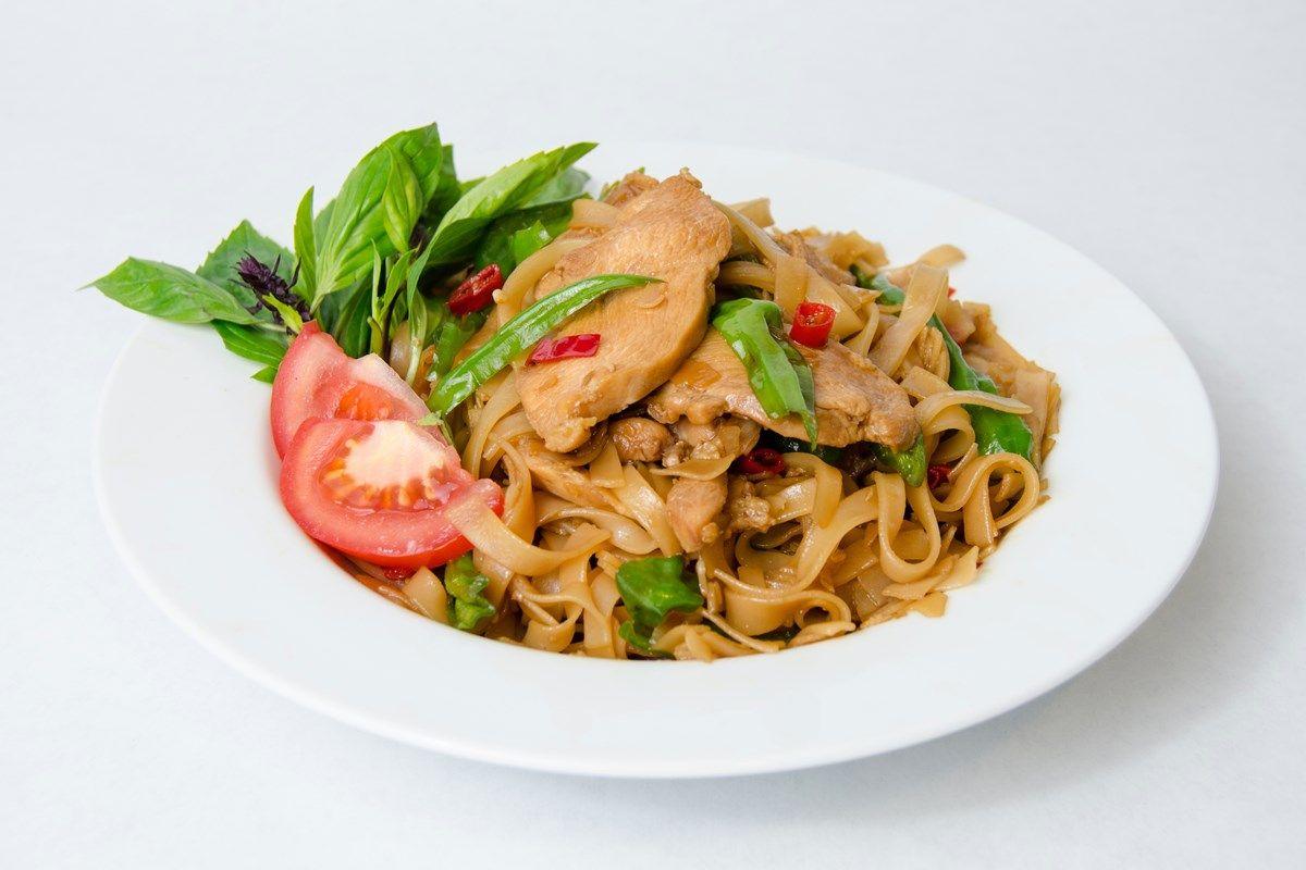 Drunken noodles pad kee mao drunken noodles cuisine