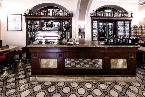 Caffè Fiaschetteria Italiana, Siena & Montalcino – Discover the Italian lifestyle guide Italian Notes, by Tod's #tods #siena & montalcino #italiannotes