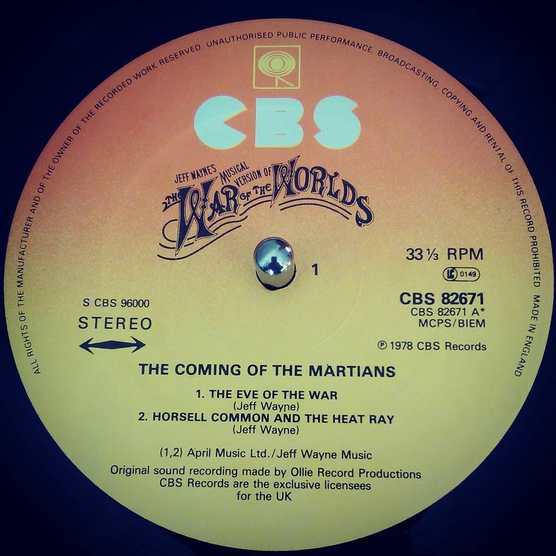 Mat Gould On Instagram Nowspinning Jeff Wayne S Musical Version Of The War Of The Worlds Cbs 96000 1978 Perfect Accompaniment To Sunday Lunch The Chanc