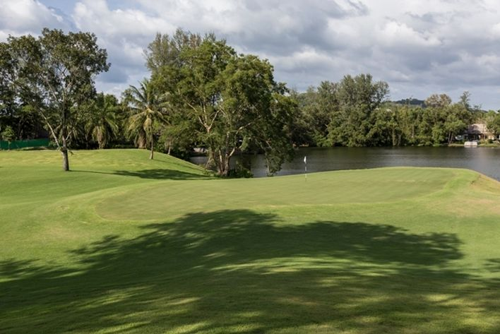 With 8 fantastic #GolfCoursesInPhuket, endless white sand beaches, a lots of cultural and sports activities and with a wide range of excellent hotels and resorts, Phuket has all the ingredients needed to create the framework for the perfect golf vacation.