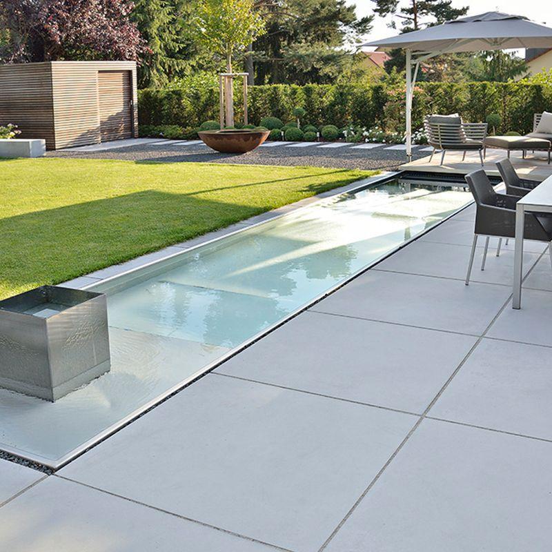 Inspiration Fur Einen Pool Im Eigenen Garten In 2020 Modern Landscaping Garden Pool Modern Garden