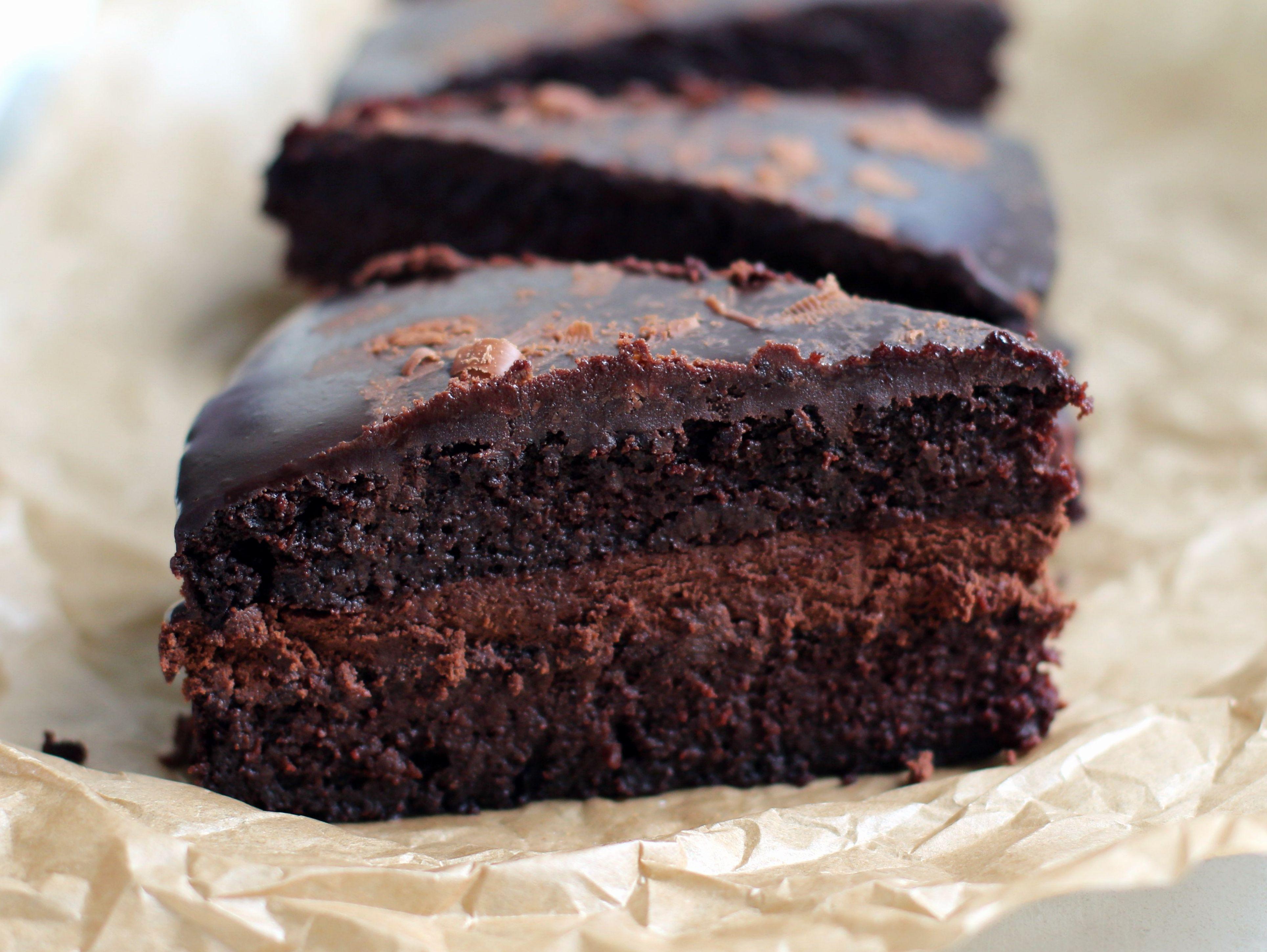 Chocolade taart van rode bieten