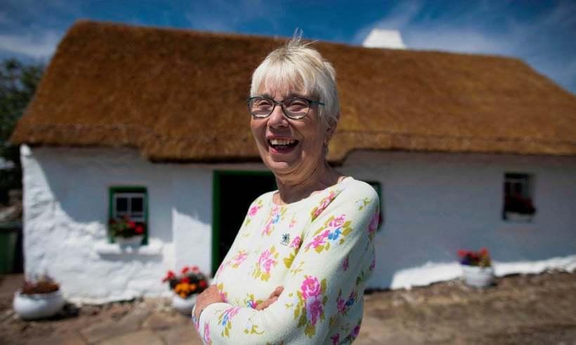 Британка 77 лет живет без света, интернета и телевидения в ...