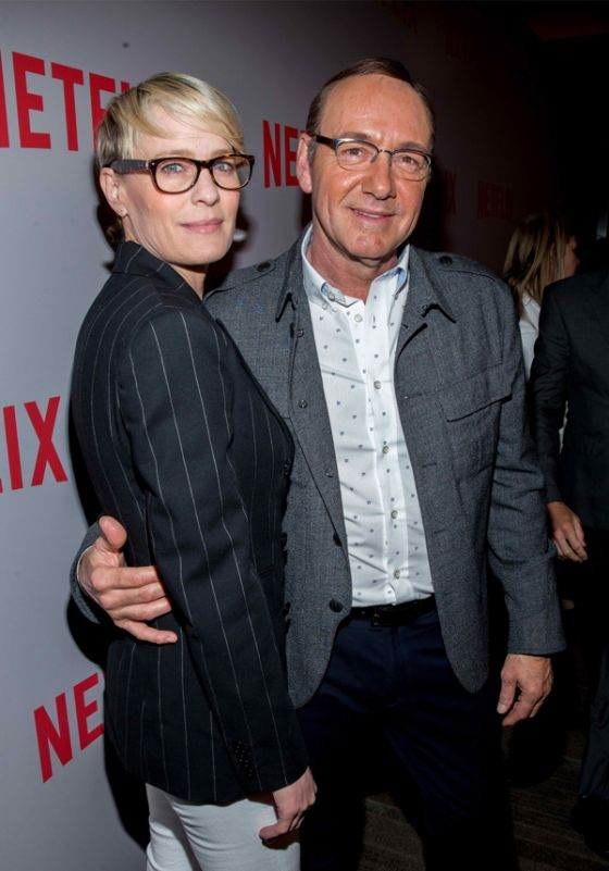 Claire To Run Against Husband Frank Underwood In House Of Cards Season 4 Release Date Cast Plot Rumors Here Cine Series