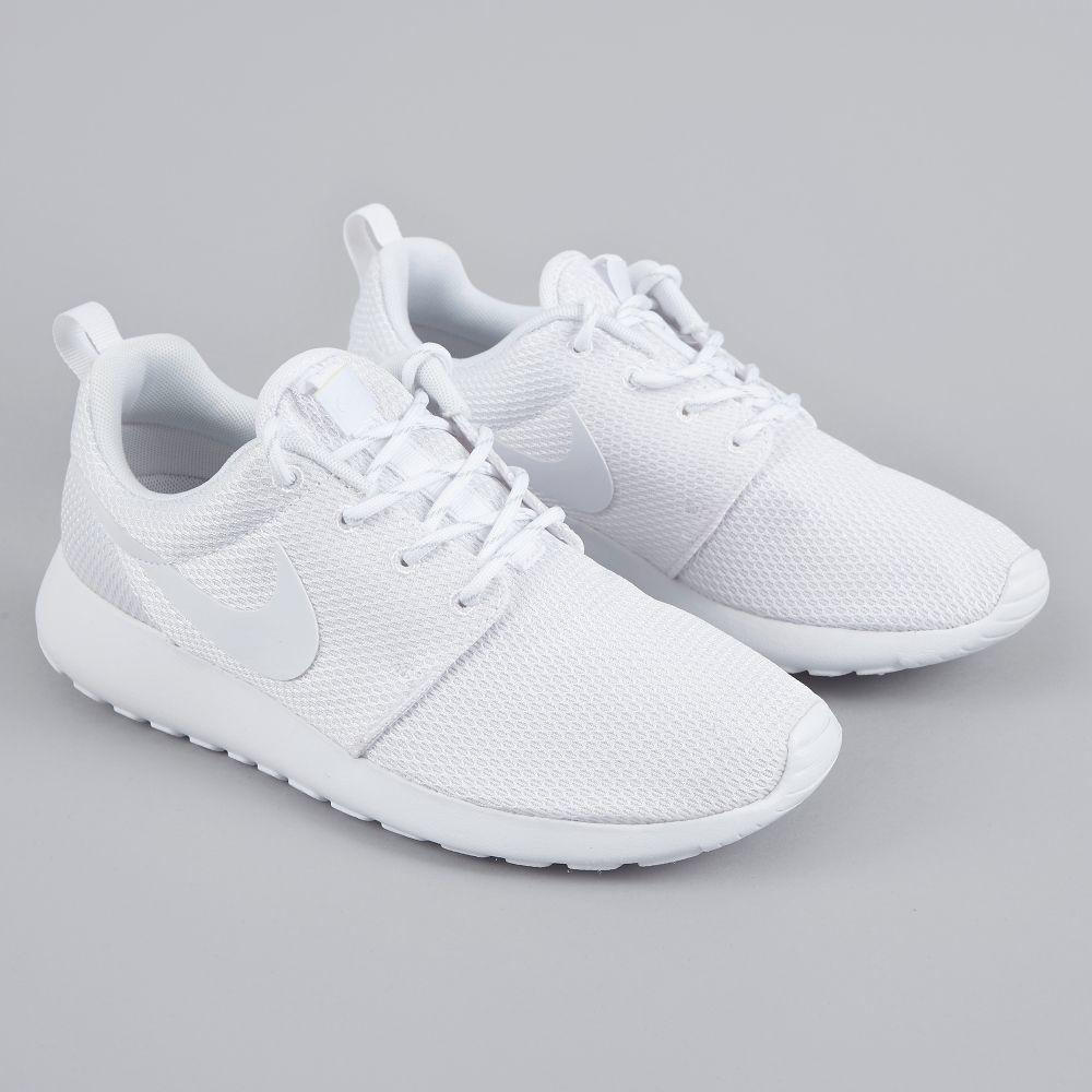 size 40 f4cfa 4cbc7 Nike Roshe One - White White (Image 1)