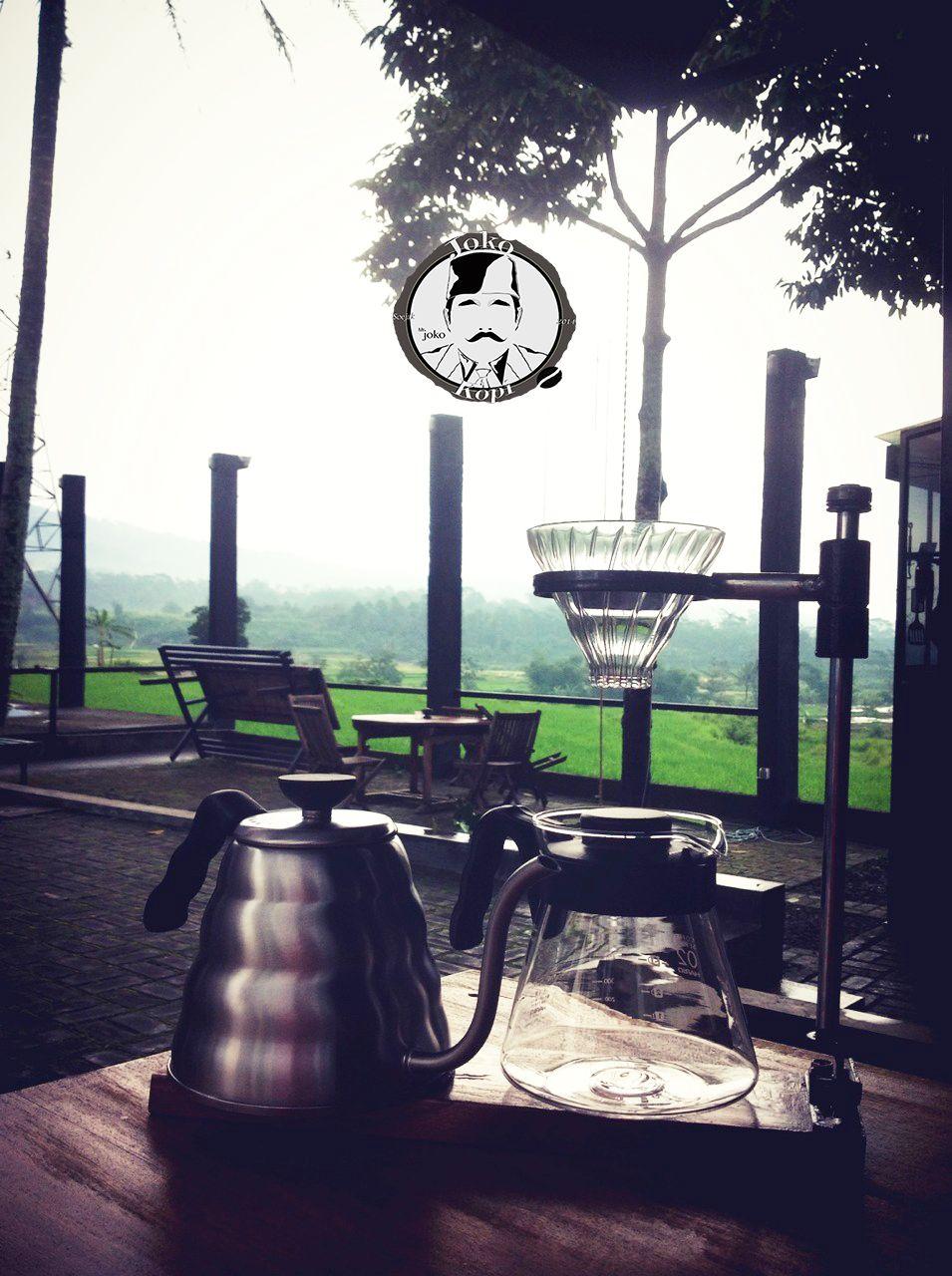 Joko Kopi in Semarang, Jawa Tengah #hario #pour #over #v60 #manual #brewing #indonesia #semarang #ungaran #valley #coffee #shop #single #origin #green #tea #caffe #hand #made