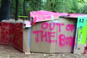 Homeless Cardboard Box House Google Search Cardboard Box Houses Box Houses Cardboard Box