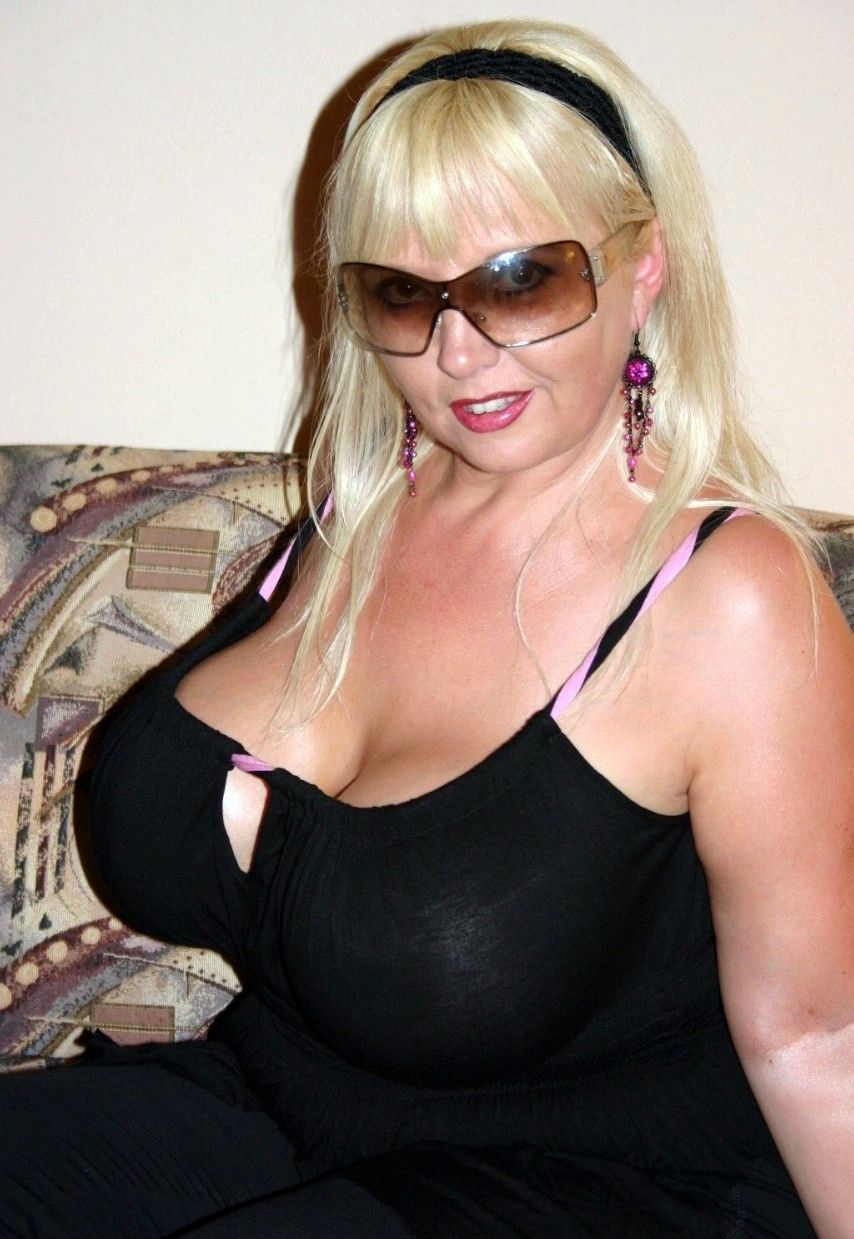 Free real nude photo of woman milf
