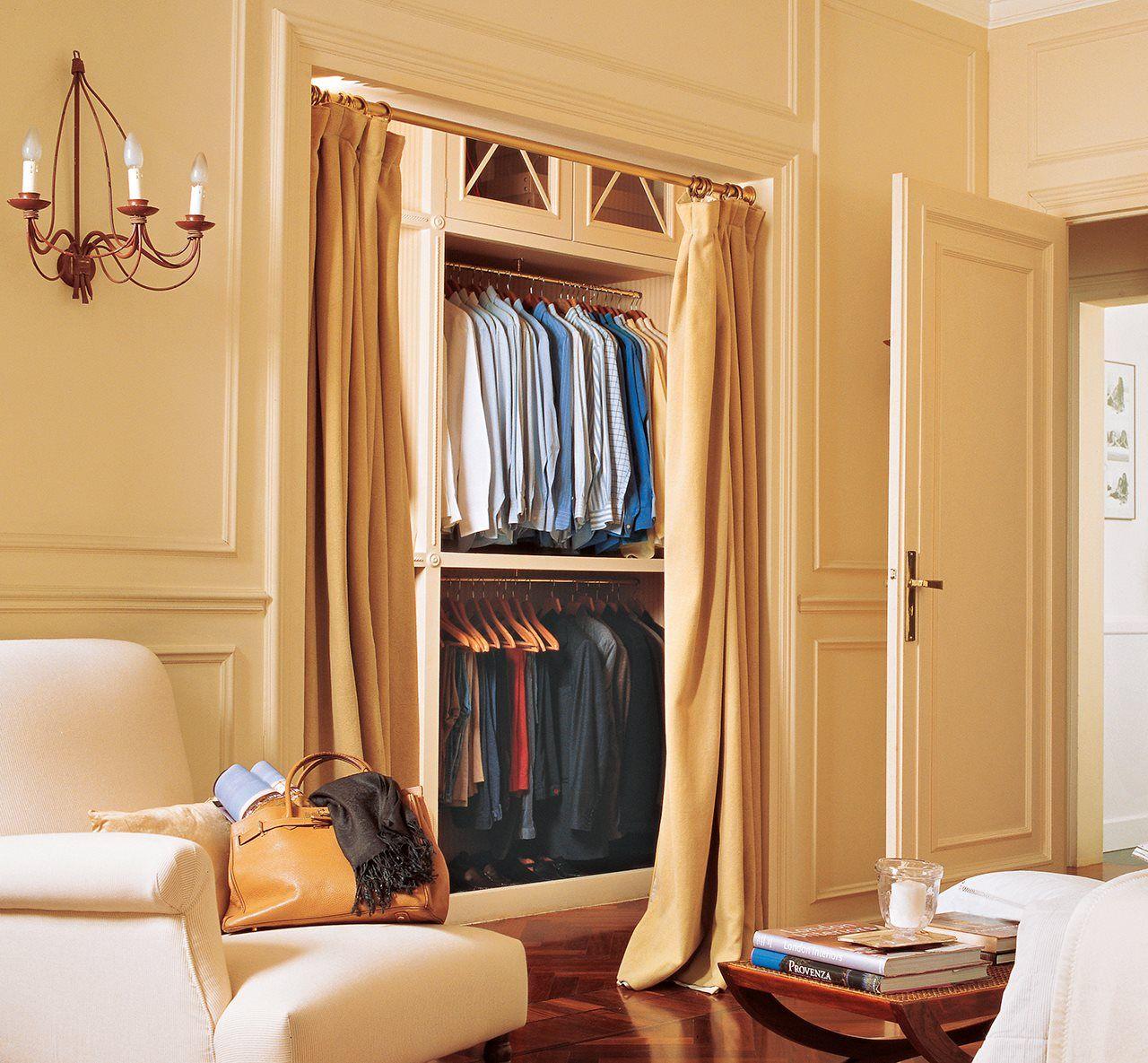 Un vestidor sin puertas las cortinas pueden separar for Puertas para separar ambientes
