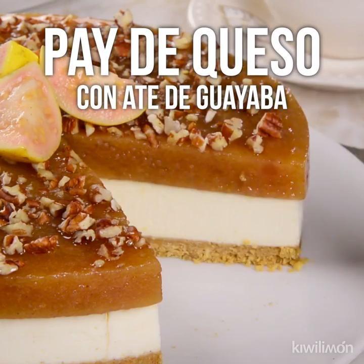Tienes que probar este delicioso pay de queso con ate de guayaba y nueces, es un postre novedoso que seguro nadie ha probado; prepáralo y sorprende a todos con su increíble sabor.