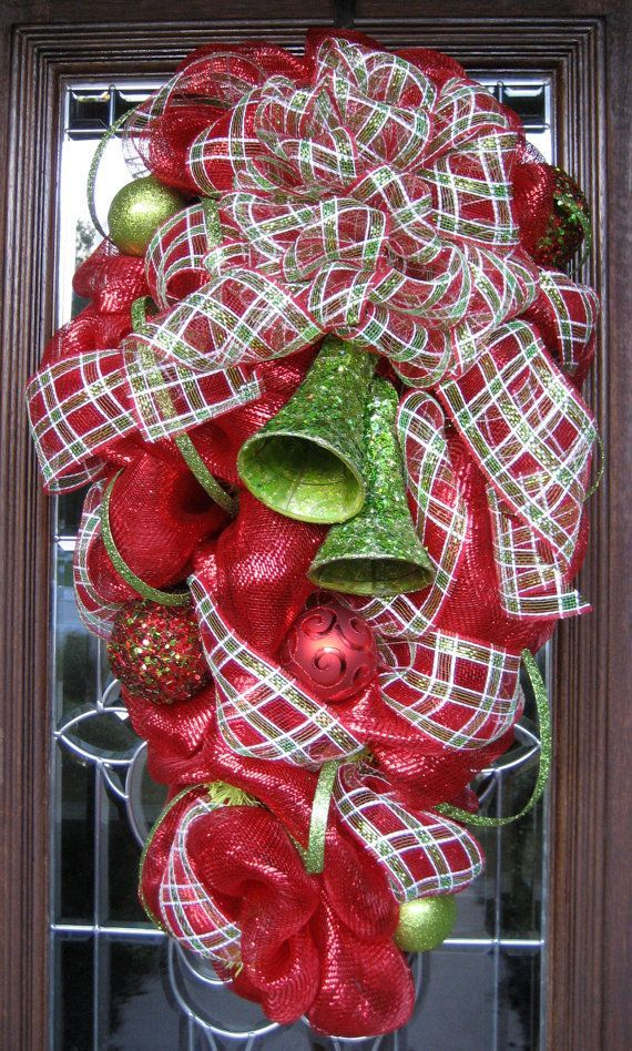 picturesofdecomeshchristmaswreaths deco mesh christmas swag wreath by decoglitz holly jolly christ