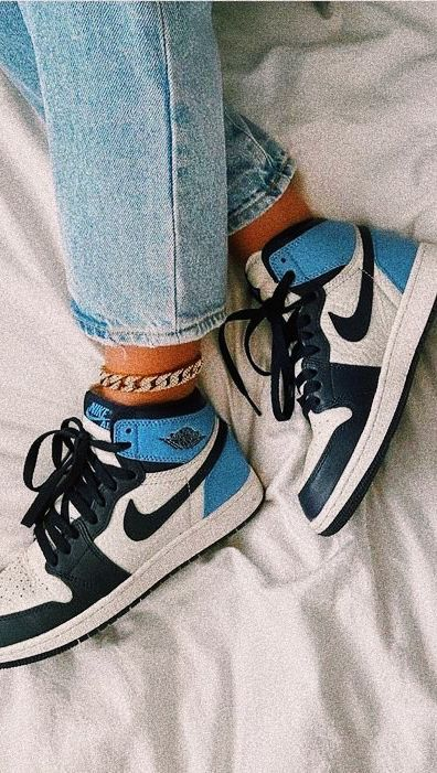 Pin on tennis shoe outfit work