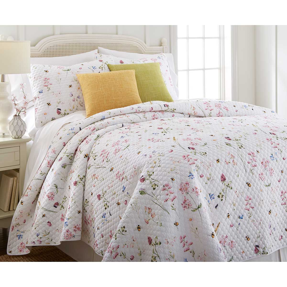 Country Charm Wholecloth Quilt And Shams Set King Cracker