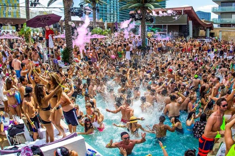 Top 10 Vegas Pool Parties Vegas Pool Party Vegas Pools Las Vegas Pool