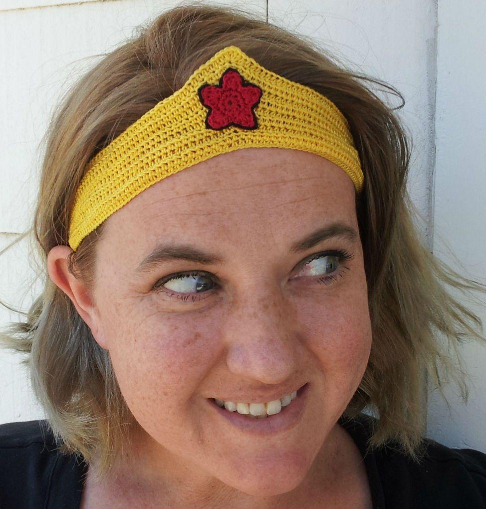 Crochet Dynamite: All Runner Girls need Wonder Woman Tiaras ...
