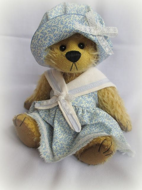 Cupboard Bears by Elizabeth Lloyd: Miss Blue Belle