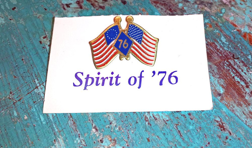 $1.99 10/16 Vintage - Spirit of 1976 - Metal Lapel Pin - Celebrating United States American Revolution Bicentennial 1776 - 1976 - pin is 1inch - red, white & blue on gold colored metal