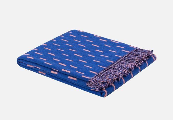 les 25 meilleures id es de la cat gorie plaid laine sur. Black Bedroom Furniture Sets. Home Design Ideas
