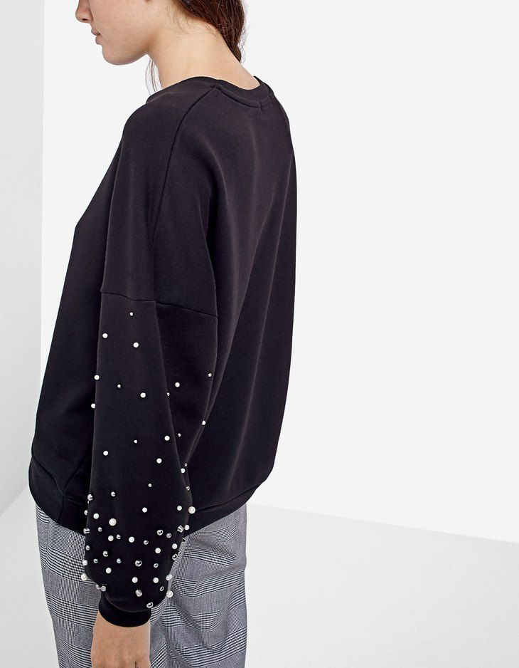 390ec0615d At Stradivarius you ll find 1 Pearly sweatshirt for just 3834 Japan . Visit  now to discover this and more Sweatshirts.