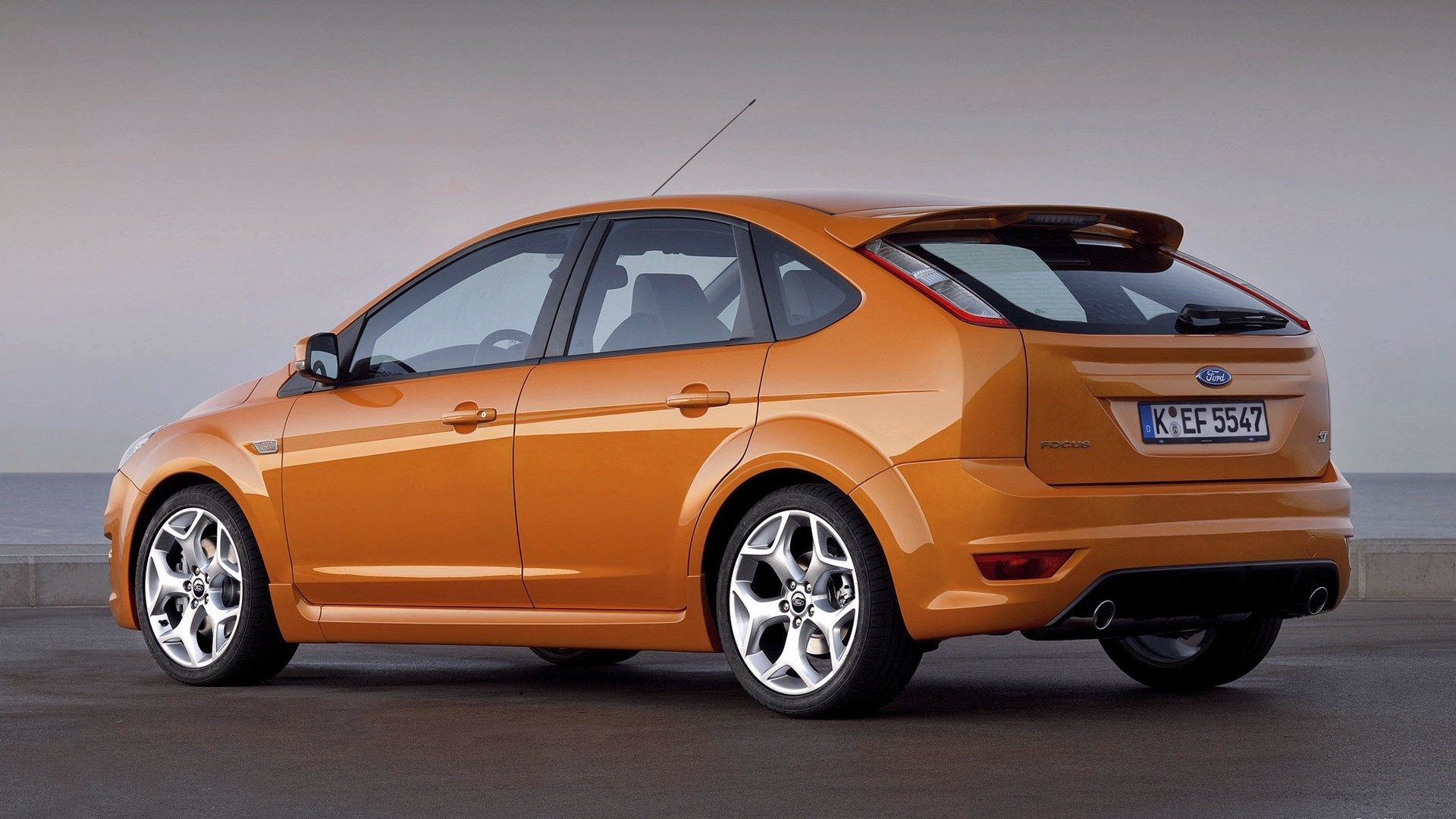 Free wallpaper and screensavers for ford focus