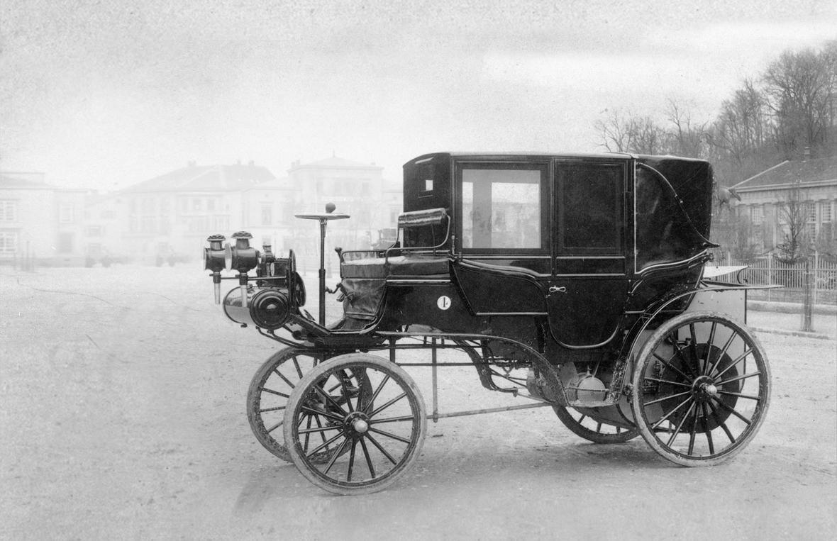 1895-1899 Daimler Motor-Kutsche 1.jpg; 689 x 800 (@73%) | Daimler ...