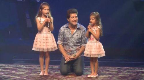 Daniel divide palco com suas filhas e se derrete: 'Lindas' #Cantor, #Carrossel, #Daniel, #Foto, #Instagram, #Ludmilla, #M, #Madonna, #Música, #Noticias, #Novela, #SãoPaulo, #Sbt, #Show, #Sucesso http://popzone.tv/2017/02/daniel-divide-palco-com-suas-filhas-e-se-derrete-lindas.html