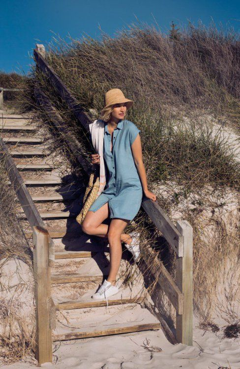 how to wear dresses with sneakers, trainers and sporty shoes (Street Style) (14)