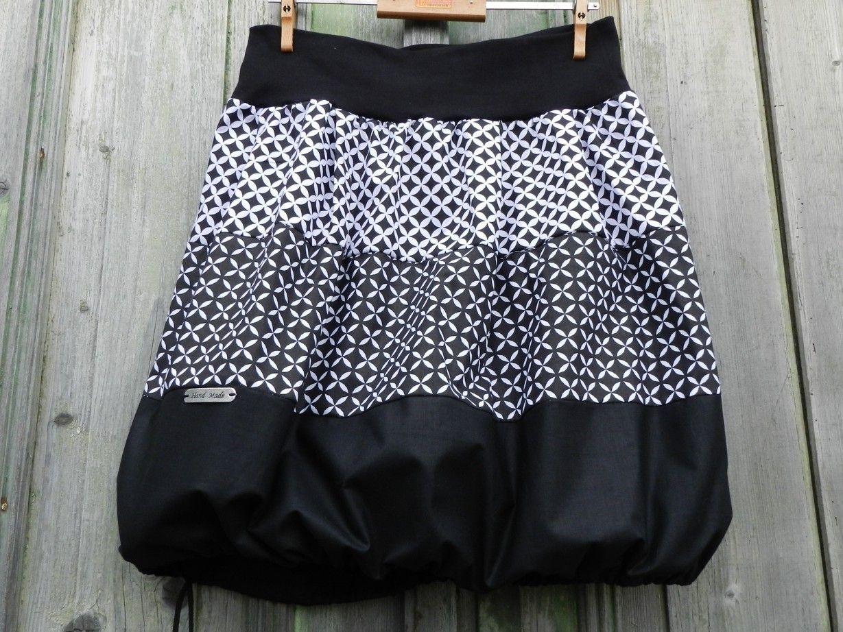 NEGAPO+Originální+a+nápaditá+sukně+v+klasické+kombinaci+bílé+a+černé ... 94c376de5b