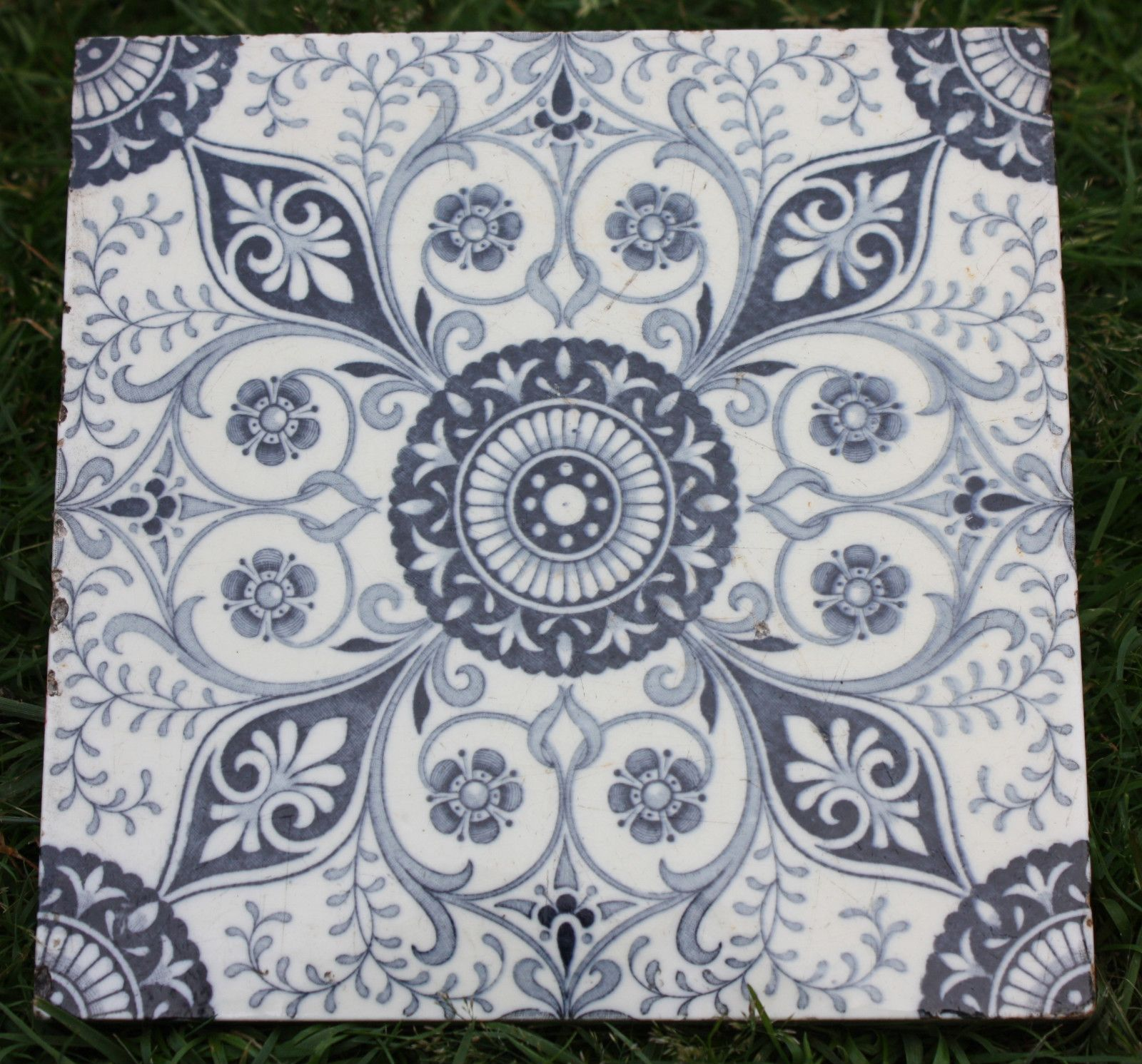 Victorian Blue And White Minton Tile Minton Tiles Blue And