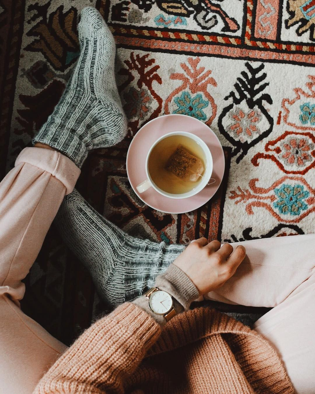5e35a86506c9 aydriananeapolitan ✶ Cozy Aesthetic, Tomboy Aesthetic, Warm And Cozy,  Hygge, Lazy Days