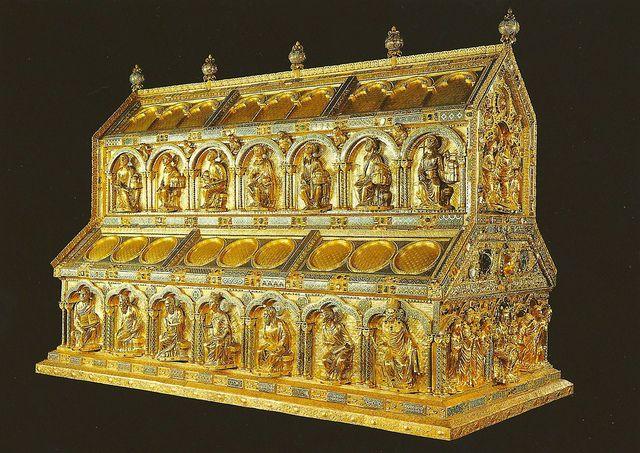 Châsse des rois mages de Cologne, vers 1200, Nicolas de Verdun. Bois de  chêne, argent et cuivre repoussé et doré, … | Cathédrale de cologne, Art  médiéval, Allemagne