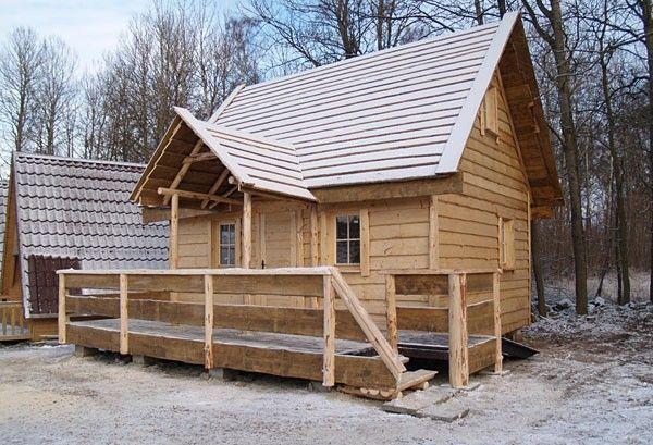 Traper Domy Drewniane Domy Z Drewna Domki Rekreacyjne Domki Drewniane Urbud Produkcja Domow Z Drewna Small Tiny House House Styles House