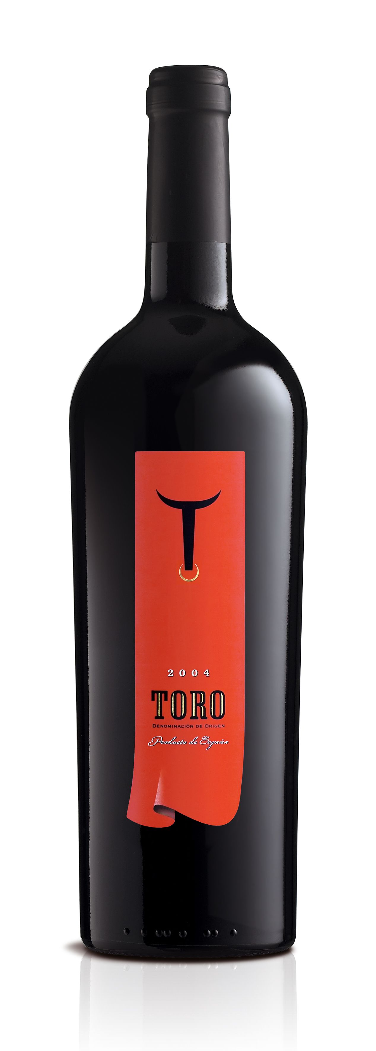 Toro Specifically For The Scandinavian Market 35th Mobius Awards Gold Statuette And Best Of Show Stau Wine Packaging Wine Label Design Wine Label Packaging