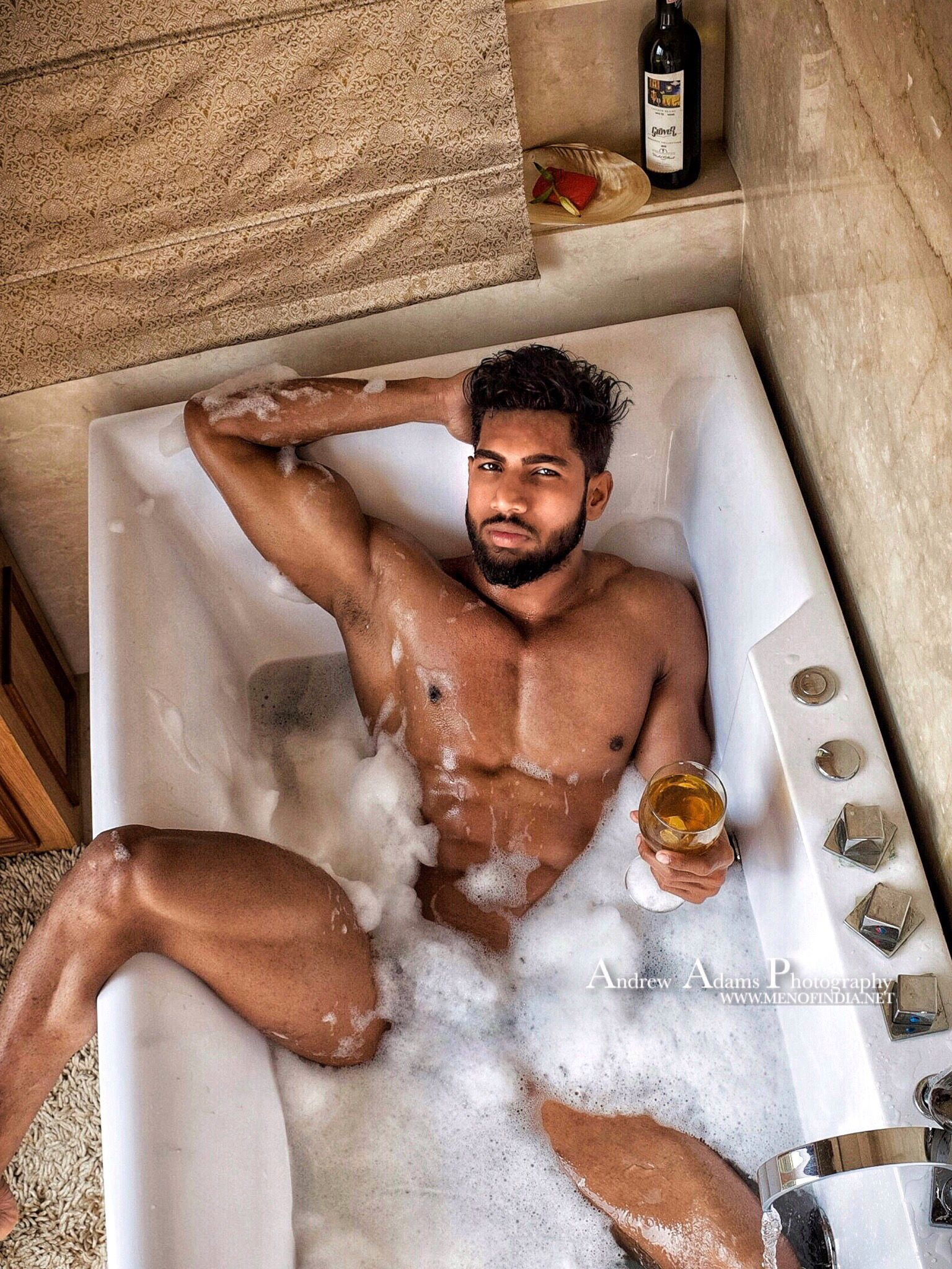 jordan's day at the spa - men of india | men's hairy legs fetish
