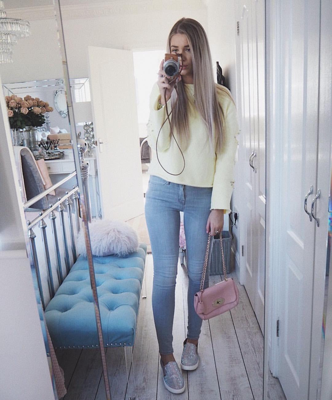 dbbf05c44 Instagram @emilyjanehardy River Island sweatshirt, allsaints jeans, pink  mulberry lily bag, spring style