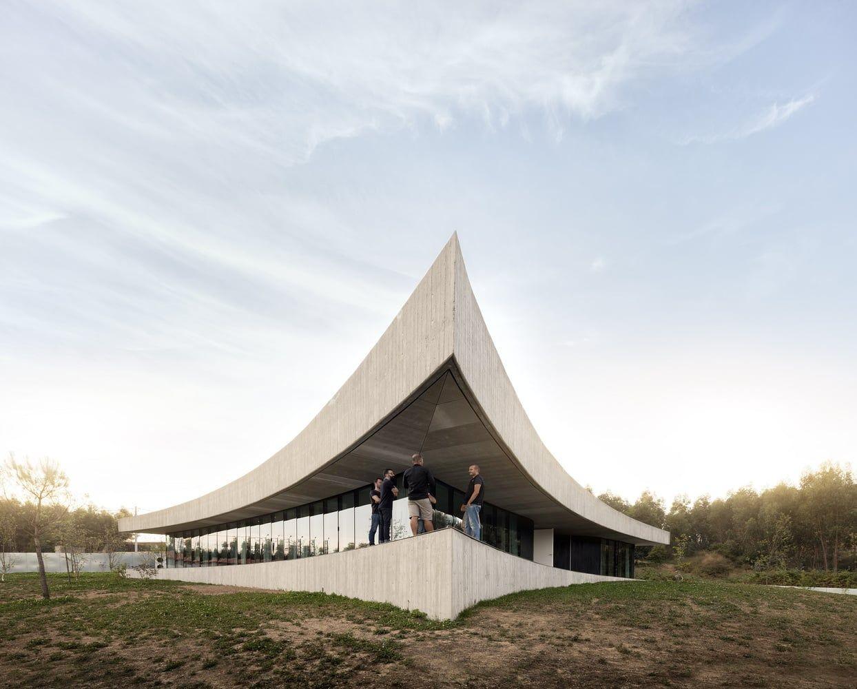 Building of the Year 2017 do Archdaily  Casa Cabo de Vila, dos Spaceworkers.