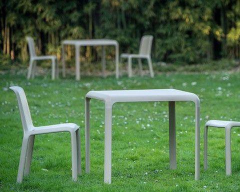 Tavoli Di Plastica Quadrati.Tavolo Snow 301 By Pedrali Arredamento Tavoli E Gelateria