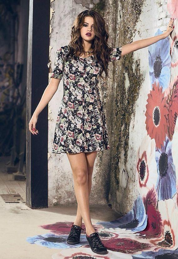 Jirafa acumular Uluru  Selena Gomez Adidas NEO Summer '14 | Selena gomez model, Selena gomez adidas,  Selena gomez 2014