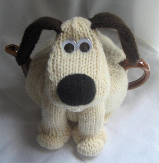 Teapot Cozy Pattern That Looks Like Gromit Tea Cozies Pinterest