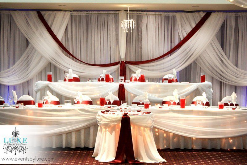 Wedding Head Table Decor By Luxe Weddings And Events At Best Western Stoneridge Inn In London Ontario