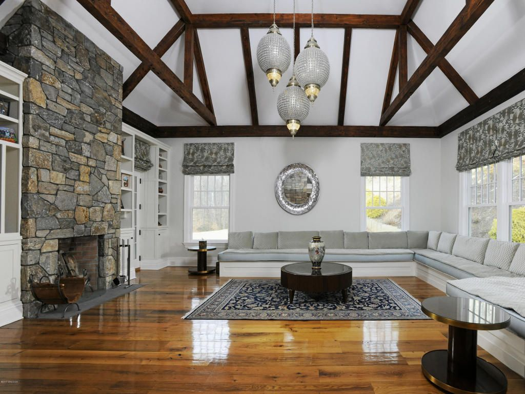 View 19 photos of this $10,000,000, 11 bed, 13.0 bath, 10143 sqft single family home located at 31 N Porchuck Rd, Greenwich, CT 06831 built in 2007. MLS # CT99234.