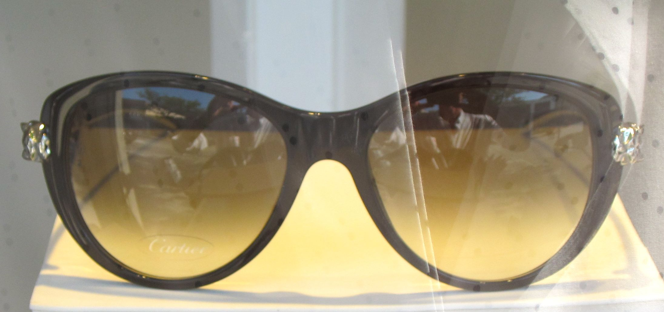 75efe7d927 Getting fancy + elegant with these  Cartier sunglasses at  Eyewear   FrameOfTheDay