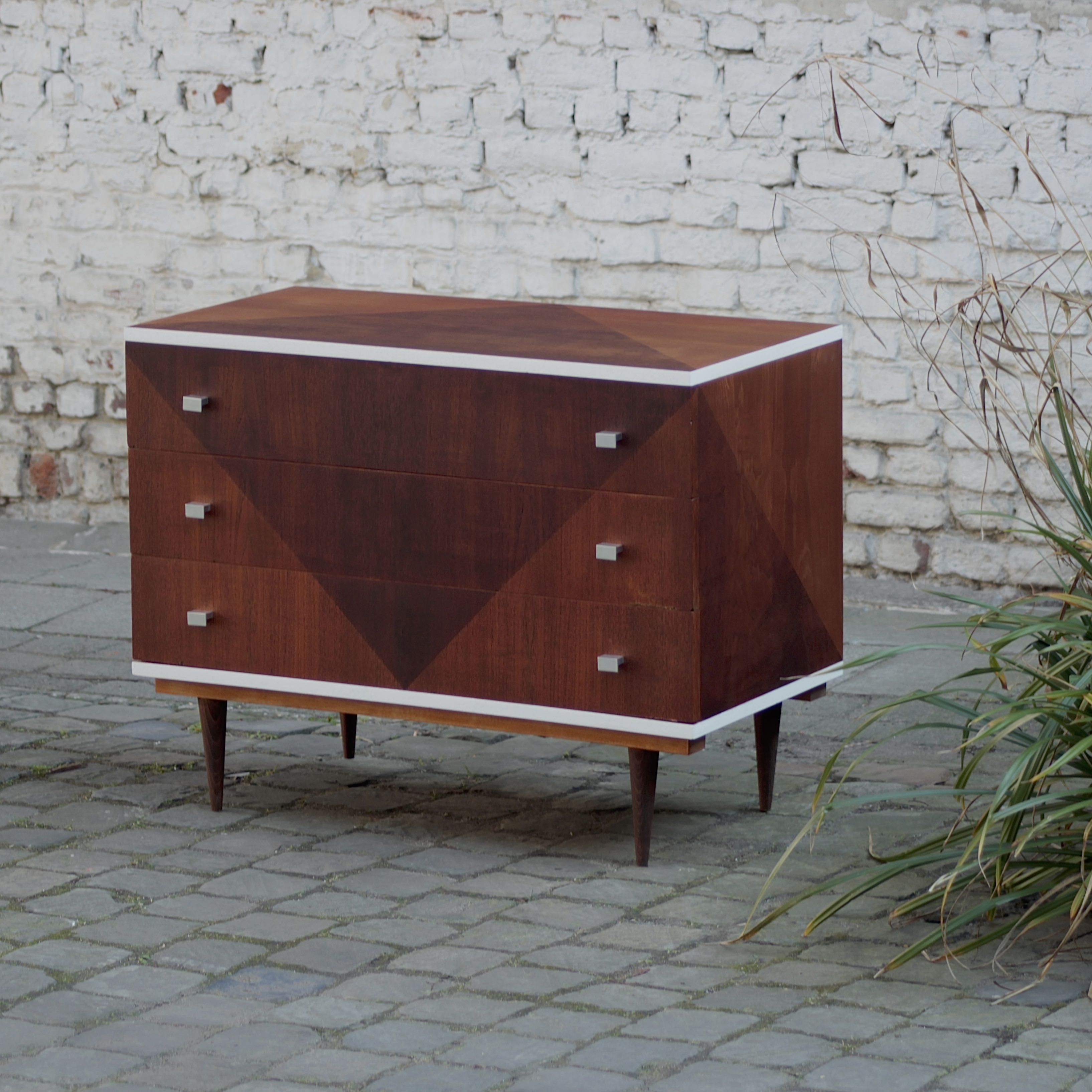 Upcycled Renovated Furniture Meuble Vintage Renove By Madeleine Bruxelles Belgique Belgium Upcycling Refurbished Vintage Furniture Renovated Secondha