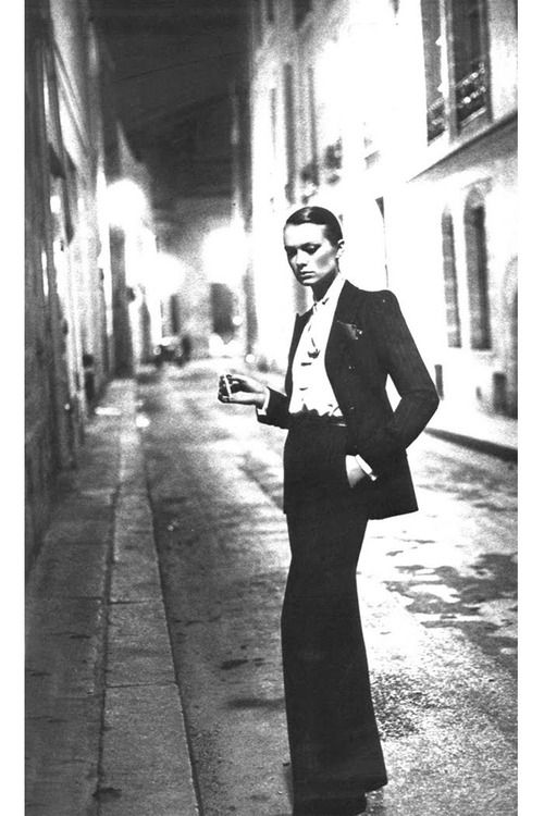 le smoking suit, photo by Helmut Newton, 1975