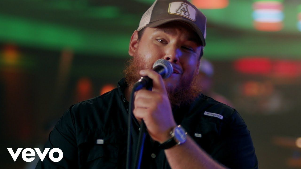 Luke Combs - Lovin' On You (Official Video)   Video Premiered just two hours ago, enjoy! As of 09/09/2020 at 18:45/06:45pm   #lukecombs #lovinonyou #youtube #country #vevo #music